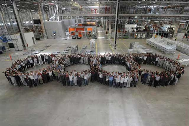 600 robots inteligentes fabricarán carrocerías en la planta de Audi