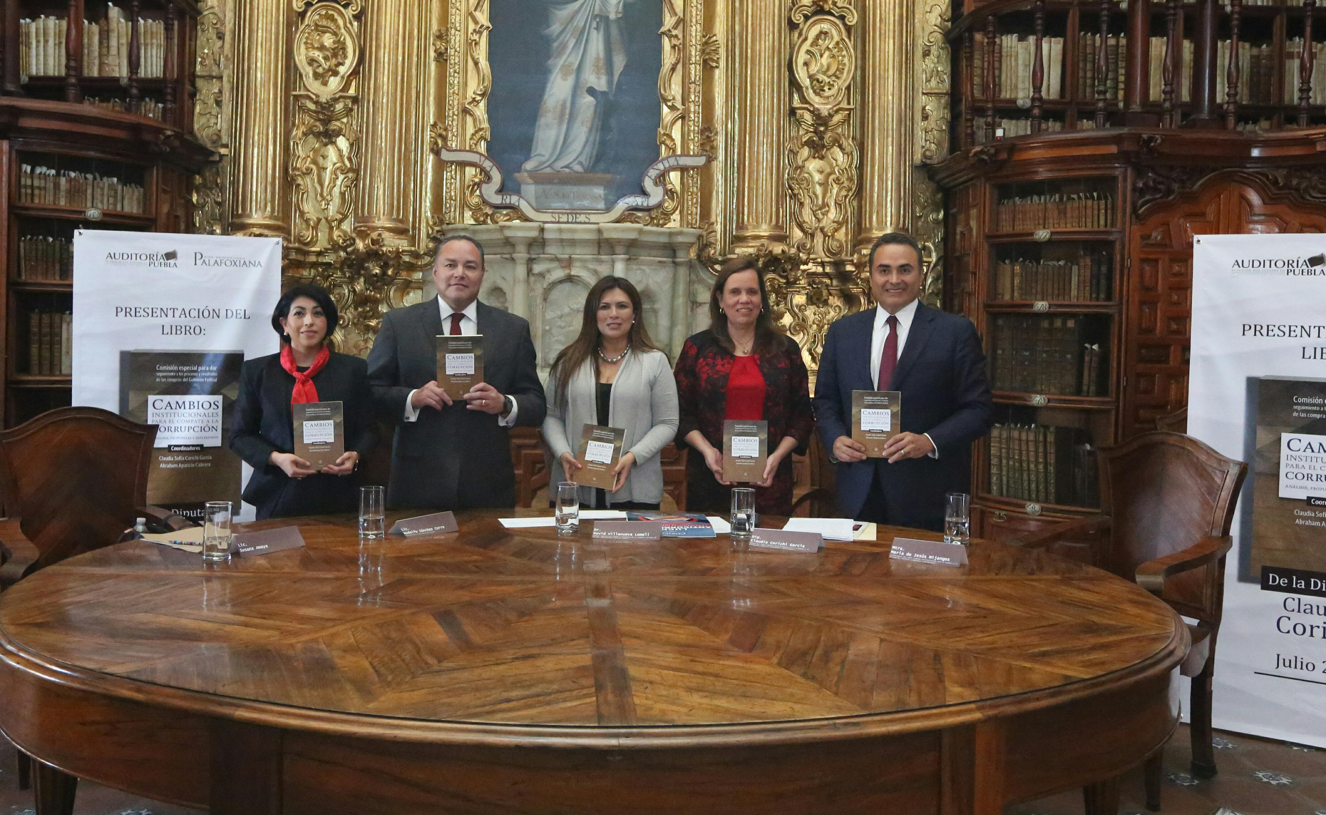 Auditoría Puebla presenta libro sobre combate a la corrupción