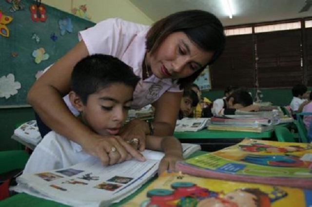 Especialistas señalan errores en la Ley General de la Educación