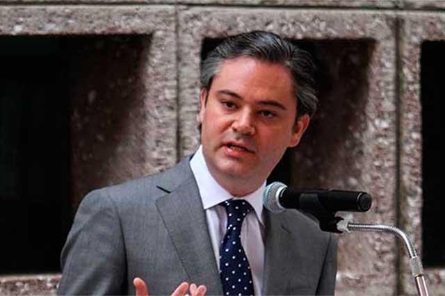 Anuncia Aurelio Nuño que despedirá a 4 mil 300 profesores