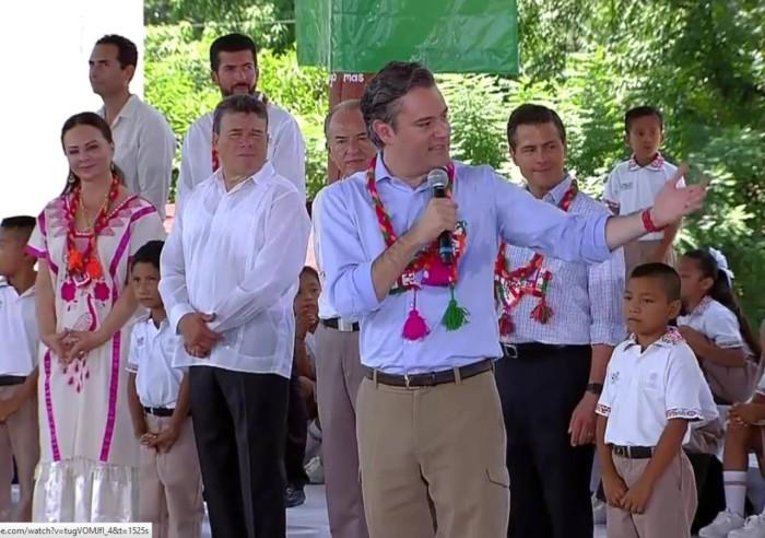 Error de Aurelio Nuño; llama astróloga a astrónoma de la UNAM