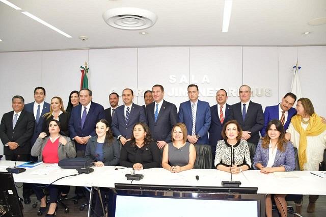 Moreno Valle es ya el coordinador de los senadores del PAN