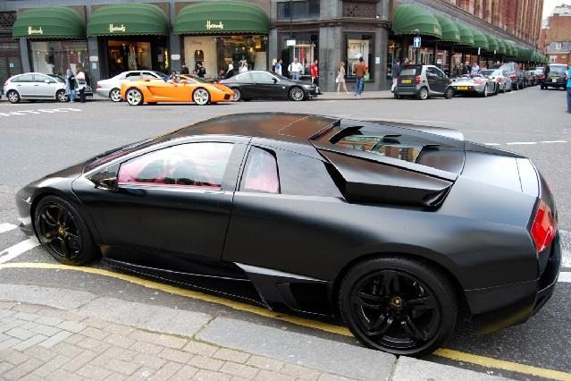Mira el video de cómo policía de Taiwán destruye Lamborghini confiscado