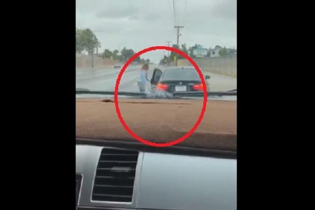 Niño le roba el auto a su mamá ¡para ir a visitar a su novia!