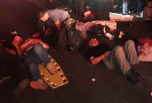 Autobús con poblanos vuelca en Veracruz; 3 muertos y 22 heridos