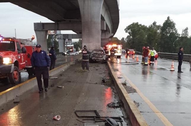 Automovilista se salva de morir quemado en San Felipe