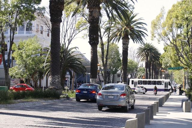 Asaltan tienda de conveniencia en La Paz y golpean a encargado