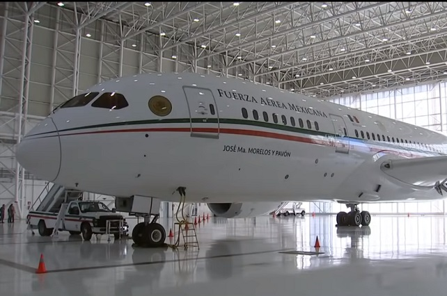 Avión presidencial vuela a EU por mantenimiento