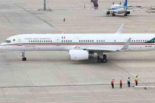 Falla avión presidencial y EPN tuvo que viajar en aeronave antigua