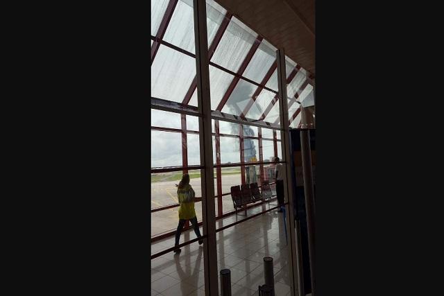 Poco después de despegar, se estrella avión de pasajeros en Cuba