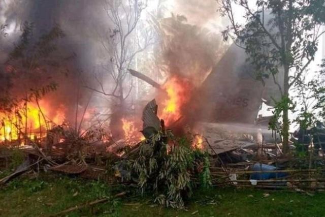 Accidente de avión militar deja 45 muertos en Filipinas