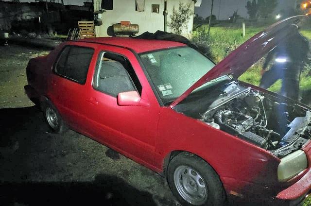 Policía de Coronango recupera vehículo con reporte de robo