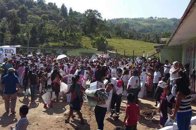 Entregó la Cruz Roja Mexicana ayuda humanitaria en Tlaola y Chicauaxtla