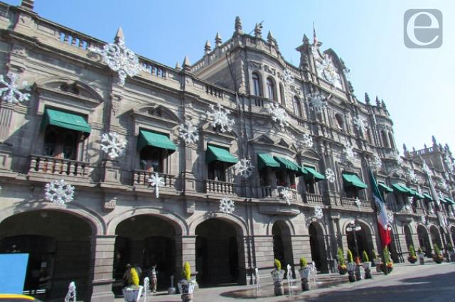 Denuncian acoso laboral de director del ayuntamiento de Puebla