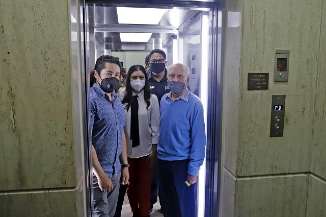 Rehabilitan domo y elevador en Sala de Regidores, en Puebla