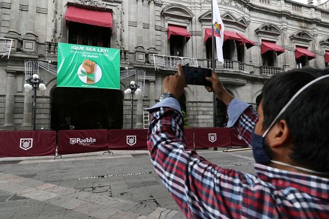 Organiza Rivera foro a favor del aborto en Puebla