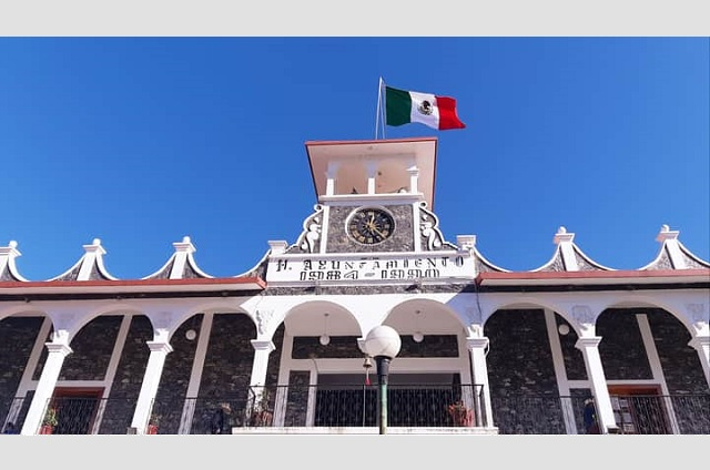 Se inconforman por recorte a 70 burócratas de Zoquitlán