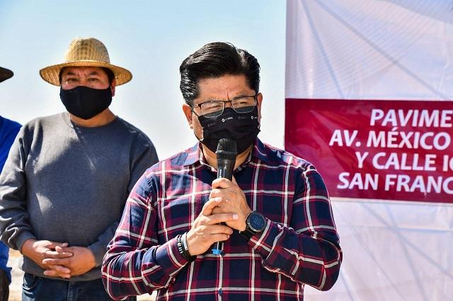 Inicia Toño Teutli pavimentación de avenida México-Puebla