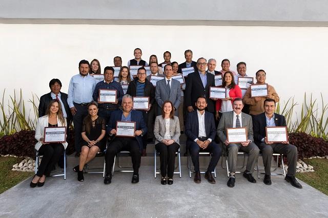 Ayuntamiento de Puebla reconoce aporte de colaboradores de SMDIF