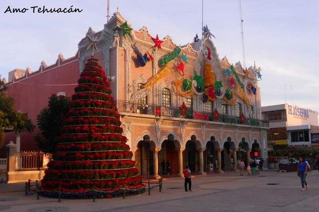 Ayuntamiento de Tehuacán recicla 60% de adornos navideños