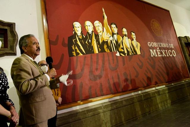 Alcalde de Culiacán pone a AMLO al lado de héroes patrios y se burlan de él