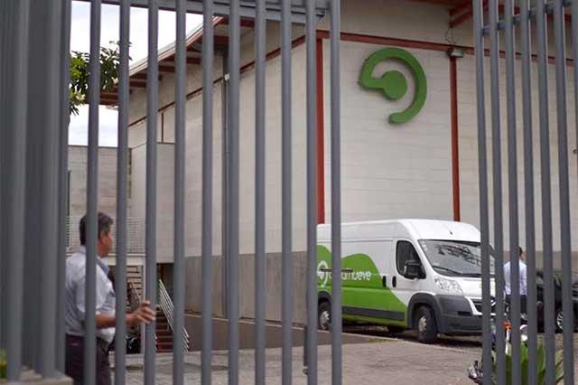 Dueño de Azteca Puebla despide a 120 empleados en Costa Rica