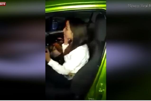 #LadyTvAzteca Periodista se niega que le hagan prueba del alcoholímetro