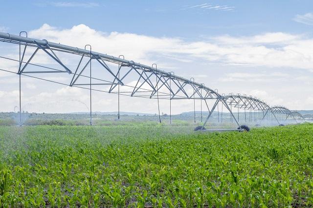 Aumentó 30 % la superficie tecnificada de riego en el país