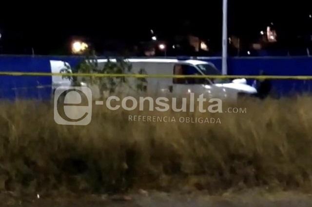 Abandonan cuerpo embolsado frente al penal de San Miguel