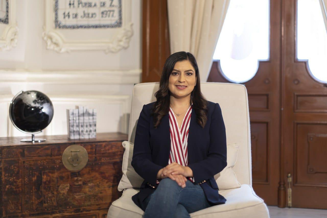 Reconoce Claudia Rivera la labor educativa y celebra a los maestros