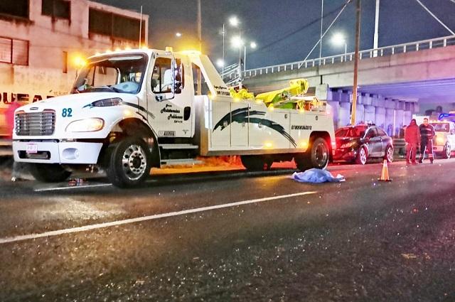 Atropellan y matan a operador de grúa en la Puebla-Orizaba