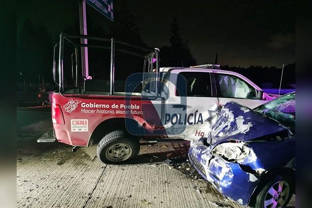 Chocan particular y patrulla estatal; 3 policías heridos