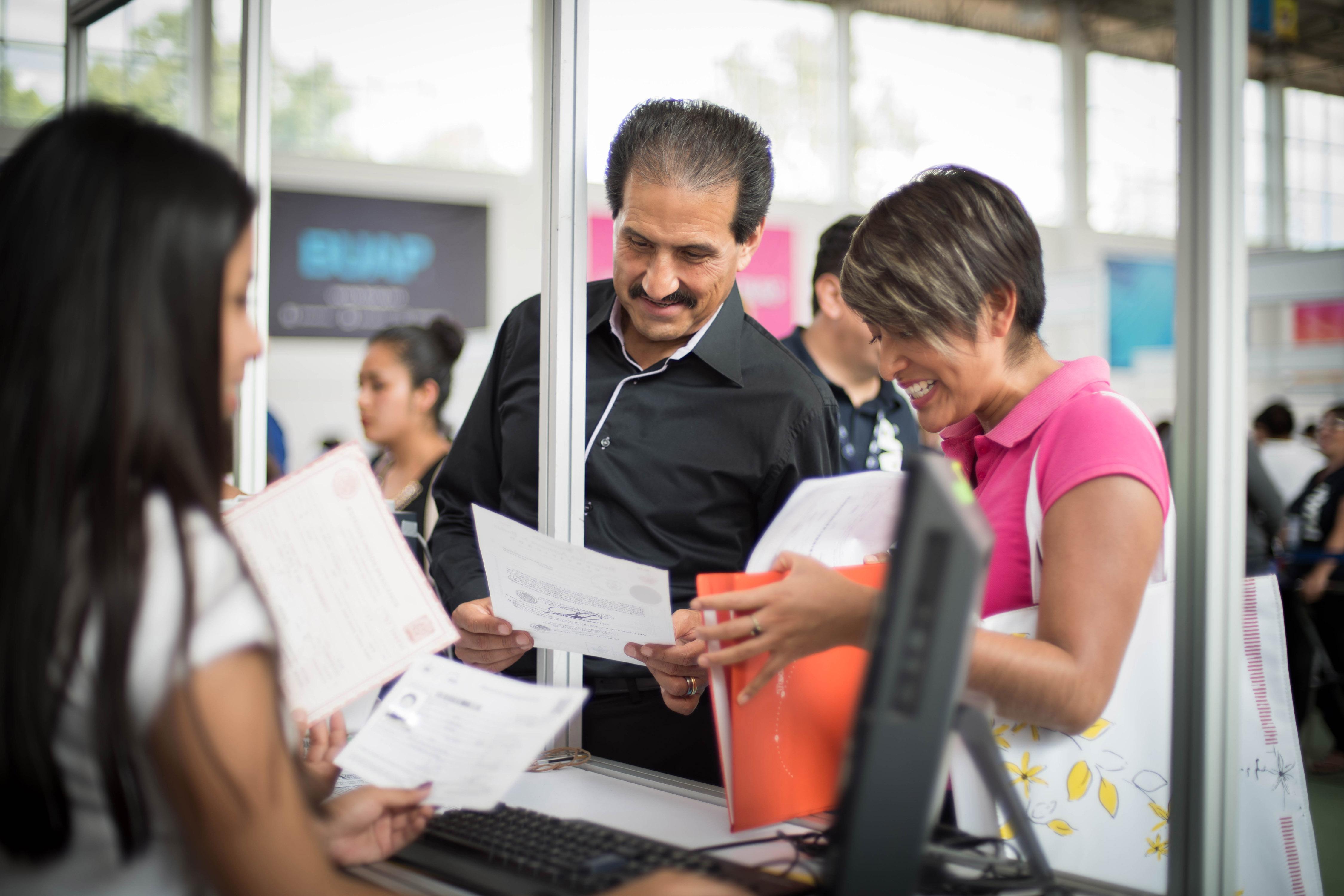 Supervisa Esparza Ortiz proceso de inscripción a licenciaturas