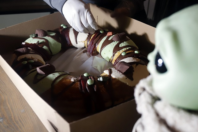 Rosca de Reyes de Baby Yoda indigna a fieles católicos