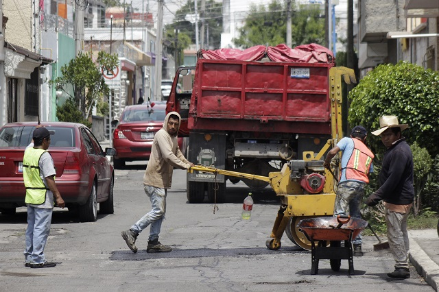 Aplicará ayuntamiento poblano soluciones alternas al bacheo