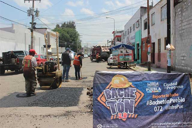 Atiende Ayuntamiento de Puebla reportes de bacheo en la capital