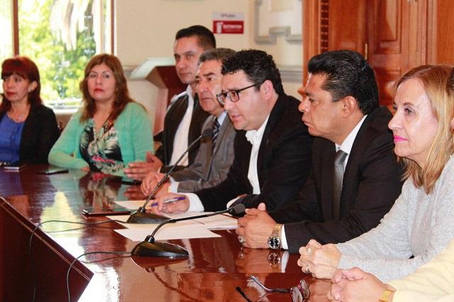 Obras de educación, nutrición y bacheo en Juntas auxiliares de Puebla