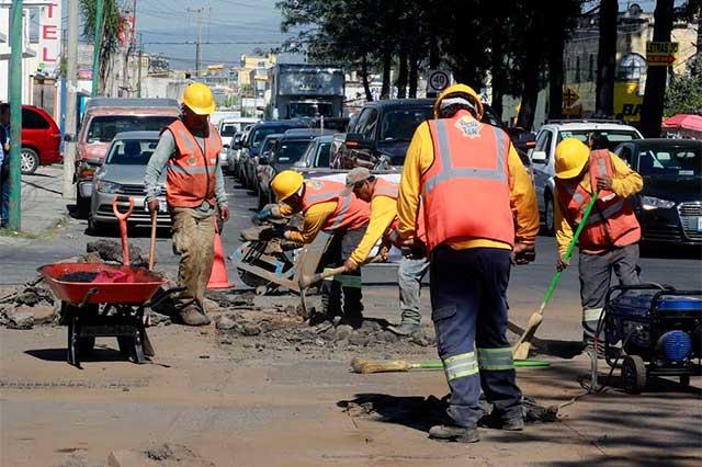Luis Banck supervisa trabajos del Bachetón en calles de Puebla