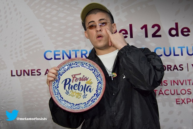 Critican presentación de Bad Bunny en la Feria de Puebla