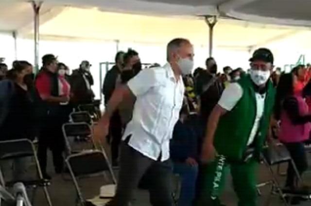 Hugo López-Gatell bailó al ritmo de I will survive antes de vacunarse