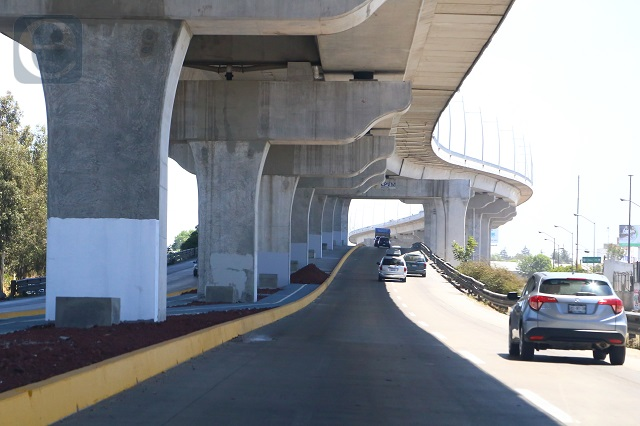 Vuelve AMLO a citar segundo piso de autopista como corrupción