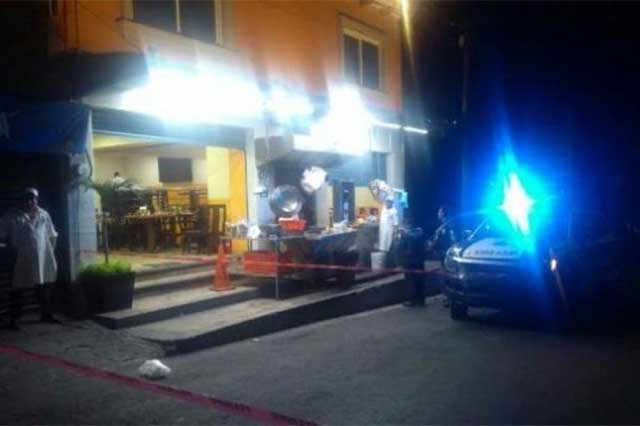 Ataque a balazos en una taquería deja un saldo de un muerto y 2 heridos