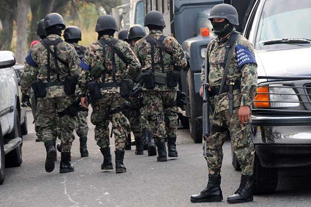Se registra balacera entre marinos y sicarios en Edomex; reportan 3 muertos