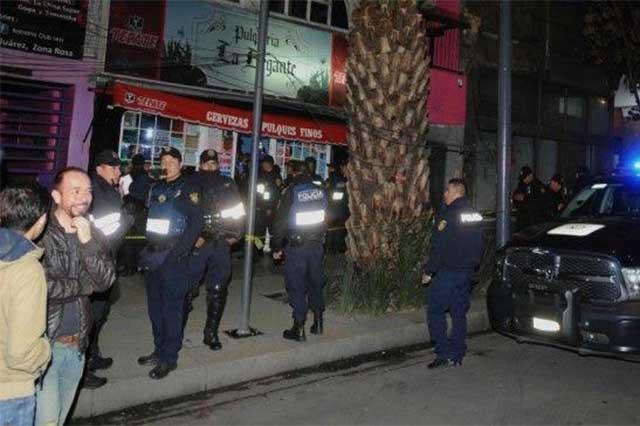 Irrumpen hombres armados en un bar de la Zona Rosa; un muerto