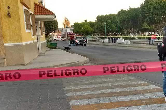 Asesinan a balazos a dos policías municipales en Puebla