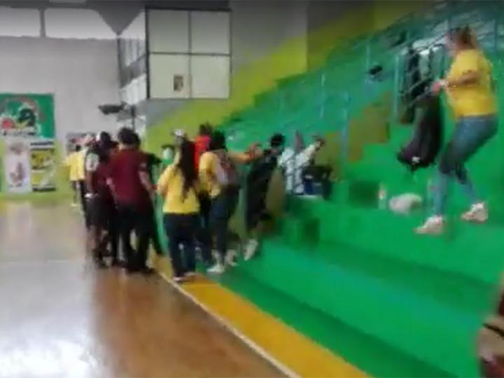 Video: A balazos interrumpen partido de basquetbol en Aguascalientes