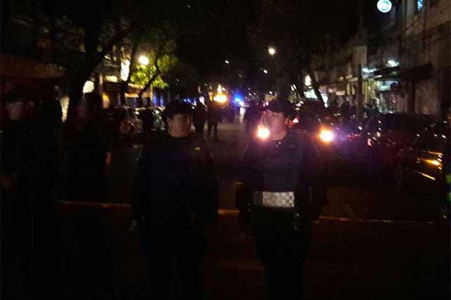 Muere un menor tras balacera contra policías en CDMX