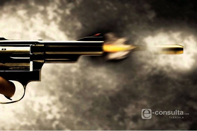 Lesionan a dos hombres con arma de fuego en Huauchinango