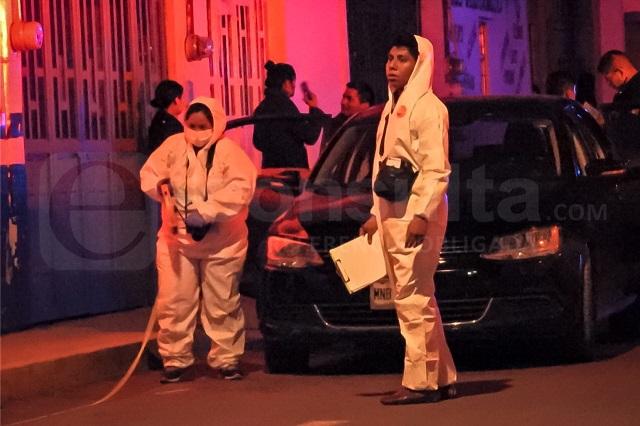 Balean a pareja frente a su casa; él muere camino a hospital en Puebla