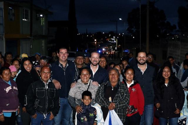 Banck supervisa nuevos puntos de luz en San Jerónimo Caleras